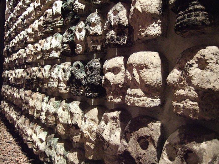 Стена черепов в Тенотчитлане