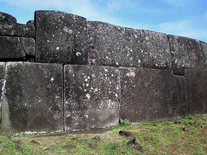 полигональная кладка на острове пасха