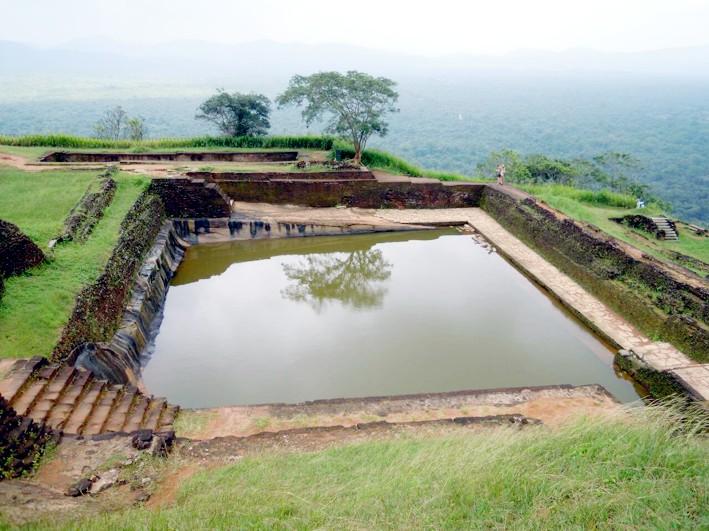 Сигирия желоб бассейн