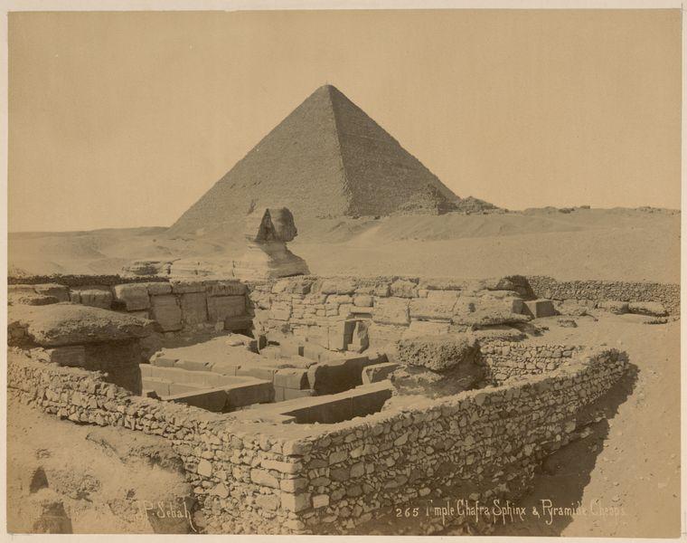 Сфинкс и Великая пирамида. Фотография 1870-х годов.