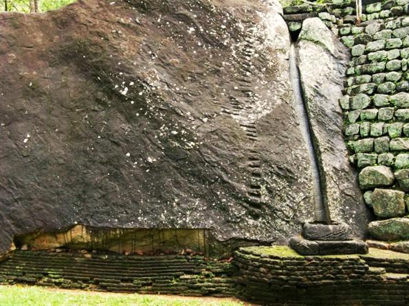 пластичный камень на Сигирии