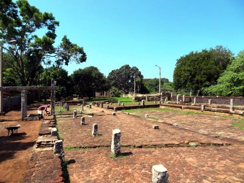 Храм Михинтале