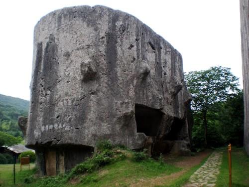 КАК РАЗМЯГЧАЛИ КАМЕНЬ. Часть 5. КИТАЙ. Яншаньская плита. мавзолй Сяолин пластичный камень, ориентация, объект, скульптуры из камня, черепаха, стела из камня, как плавили камень,