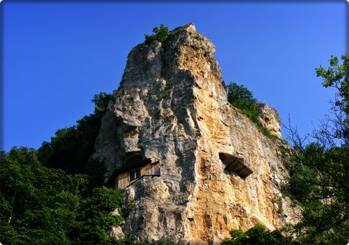 Ivanovo Rock Churches b.jpg