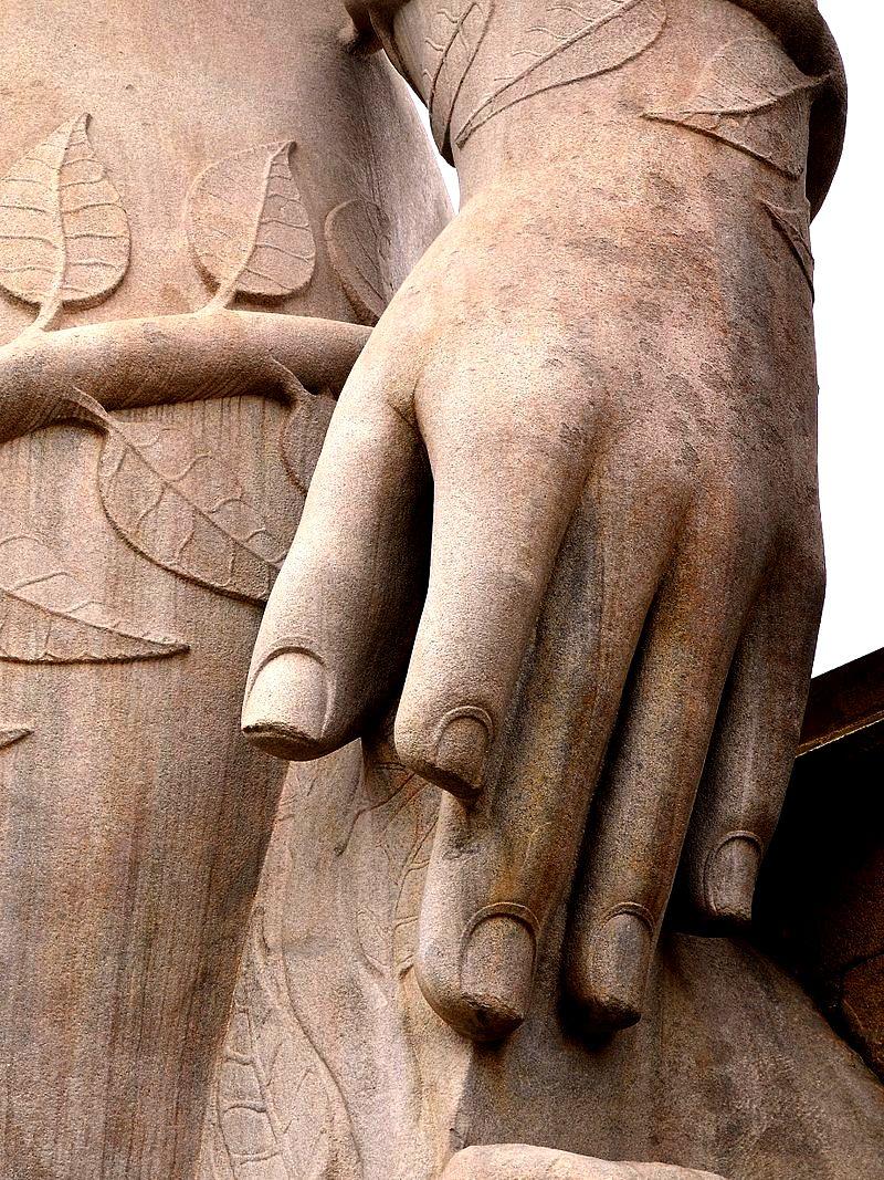 статуя Гоматешвара  детали